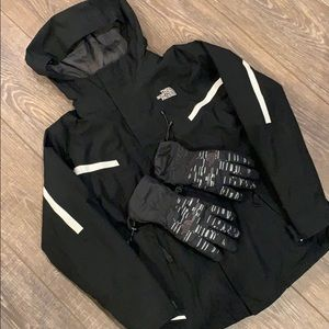 North Face Triclimate Jacket & Gloves Bundle